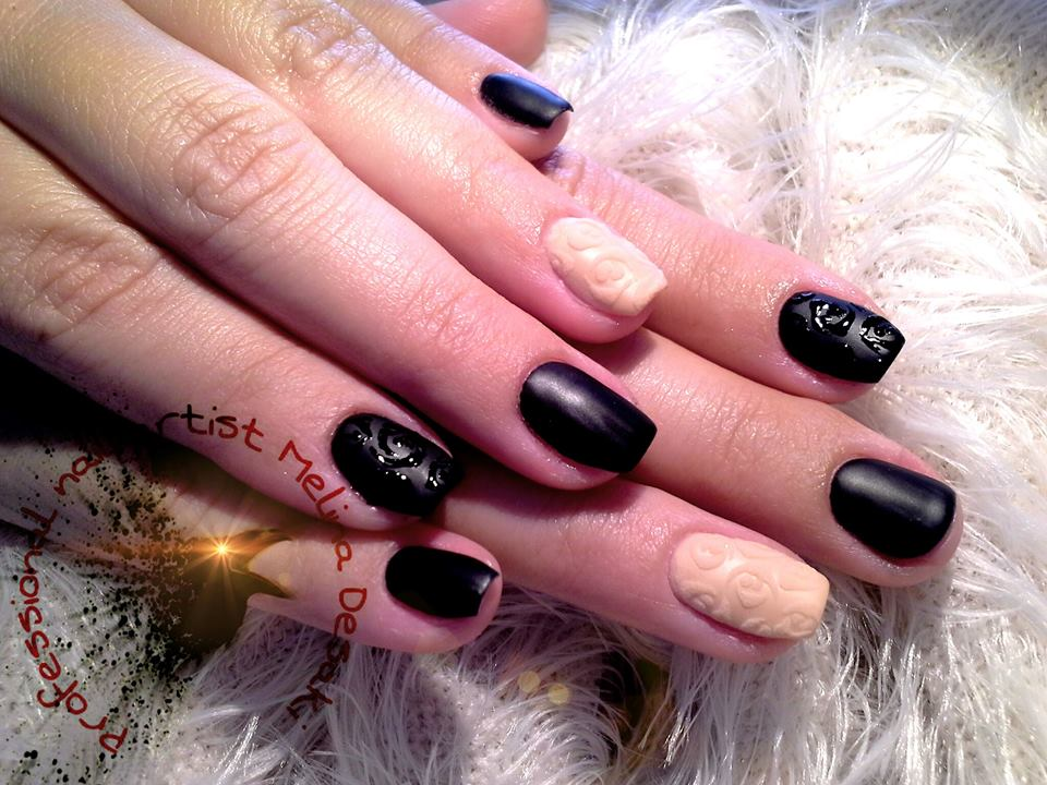 black-nude nails!!!